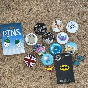 🌟NWT TONS OF PINS
